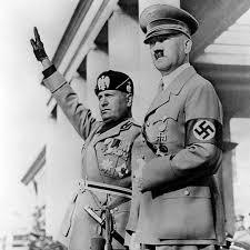 अॅडॉल्फ हिटलर आणि बेनिटो मुसोलिनी यांची इटलीतील व्हेनिस येथे भेट झाली